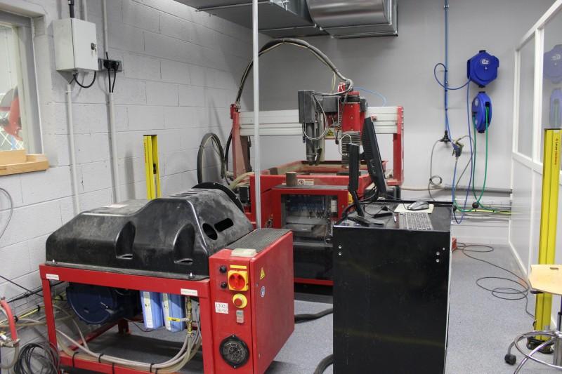 visite plateforme mécanique (découpe jet eau financé en partie par la fondation F2I UIMM)